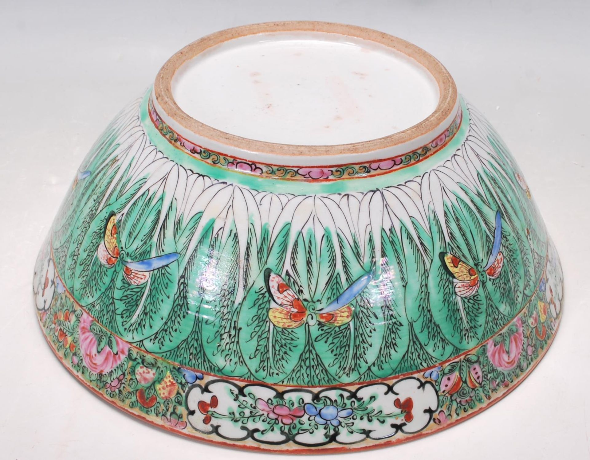 19TH CENTURY CHINESE ORIENTAL CENTRE PIECE BOWL - Image 7 of 11