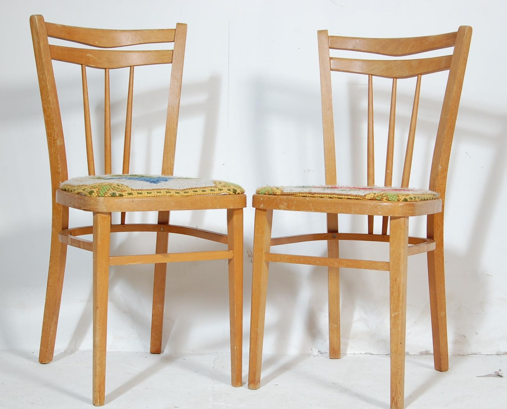 FIVE RETRO 20TH CENTURY DINING CHAIRS / KITCHEN CHAIRS - Image 3 of 5