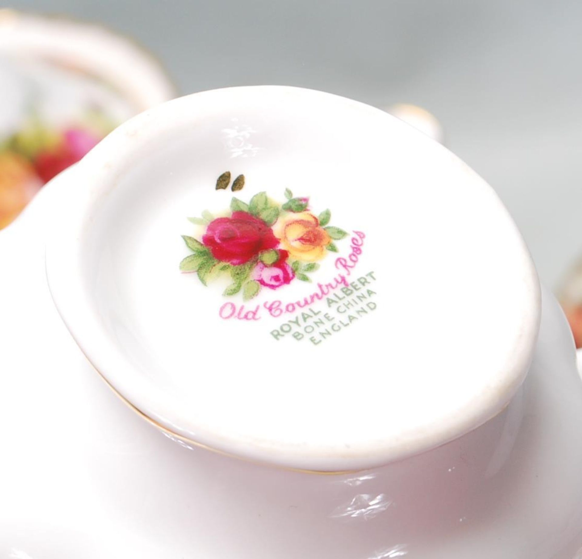 ROYAL ALBERT OLD COUNTRY ROSES TEA SET -TEA SERVICE - Image 8 of 8