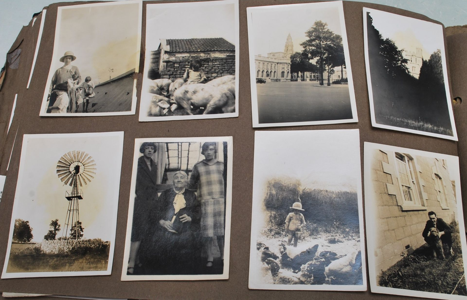 EARLY 20TH CENTURY BLACK AND WHITE PHOTO ALBUM - Image 13 of 14