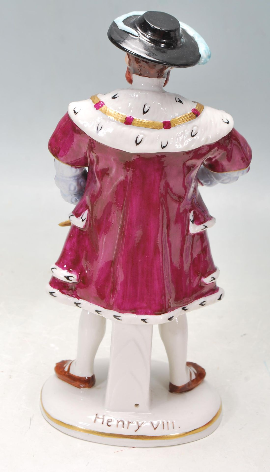 COLLECTION OF SEVEN SITZEDORF CERAMIC PORCELAIN FIGURINES OF HENRY VIII AND HIS SIX WIVES - Image 7 of 8