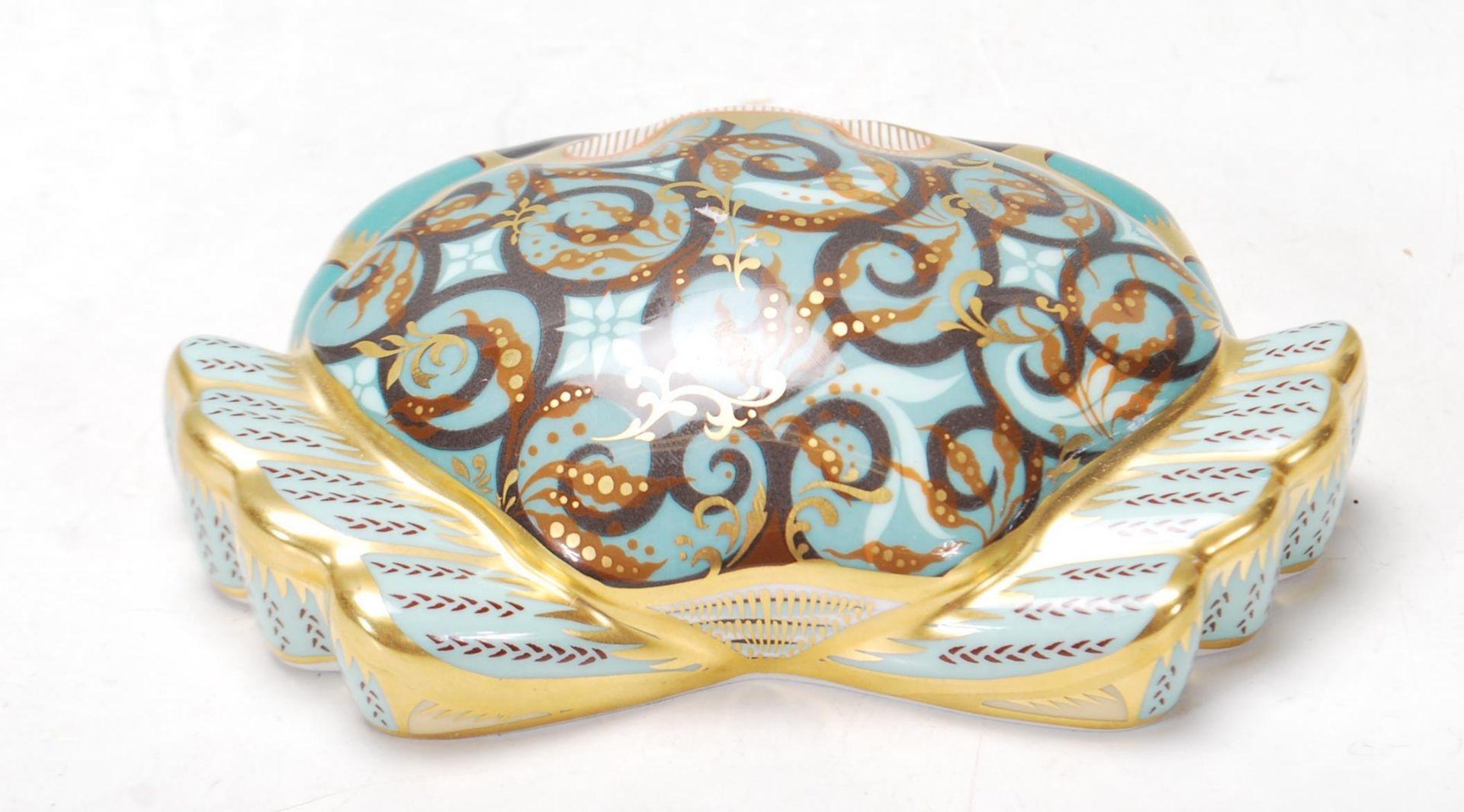 ROYAL CROWN DERBY PAPERWEIGHT IN A FORM OF A CROMER CRAB WITH GOLD STOPPER - Image 4 of 6