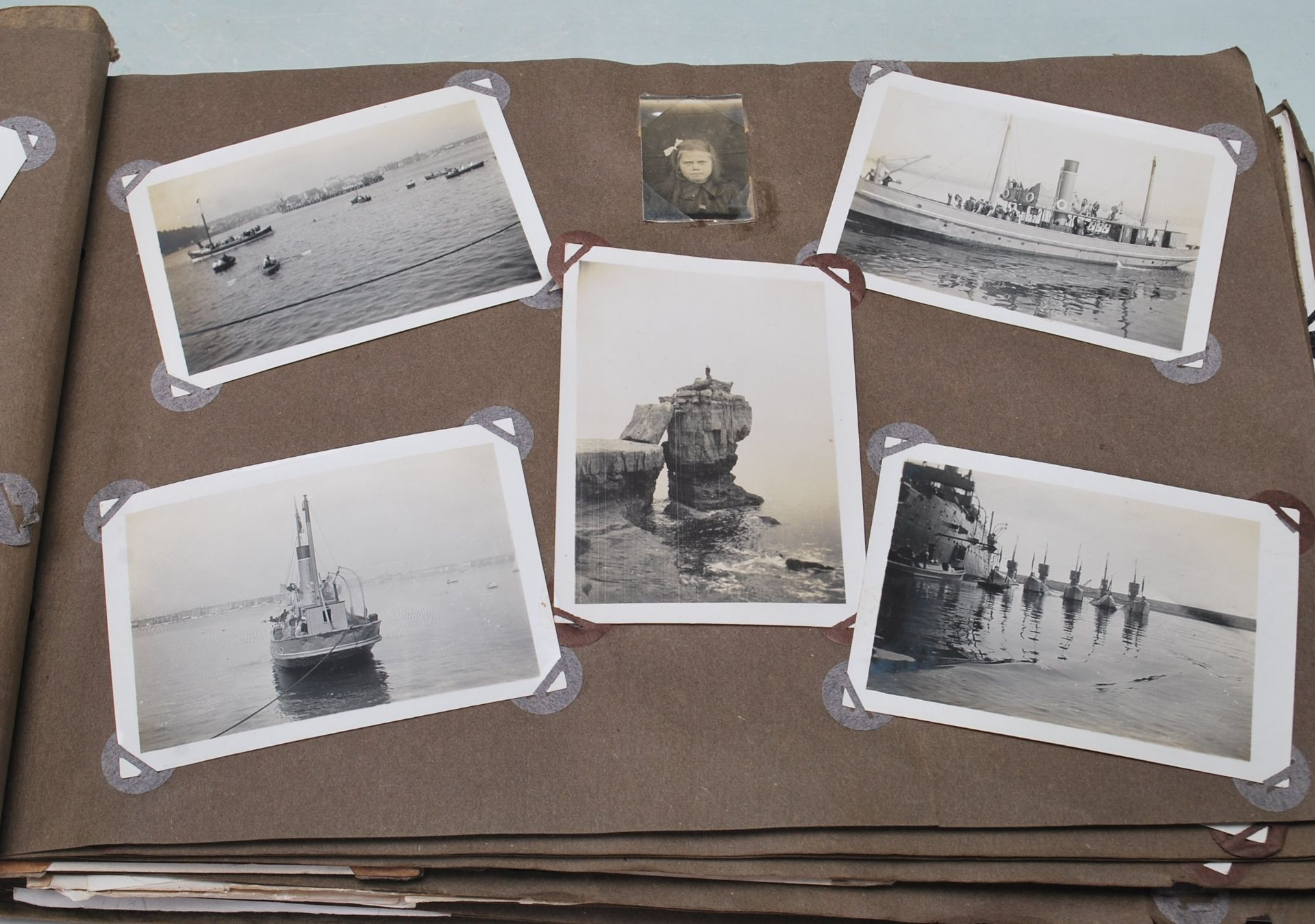 EARLY 20TH CENTURY BLACK AND WHITE PHOTO ALBUM - Image 2 of 14