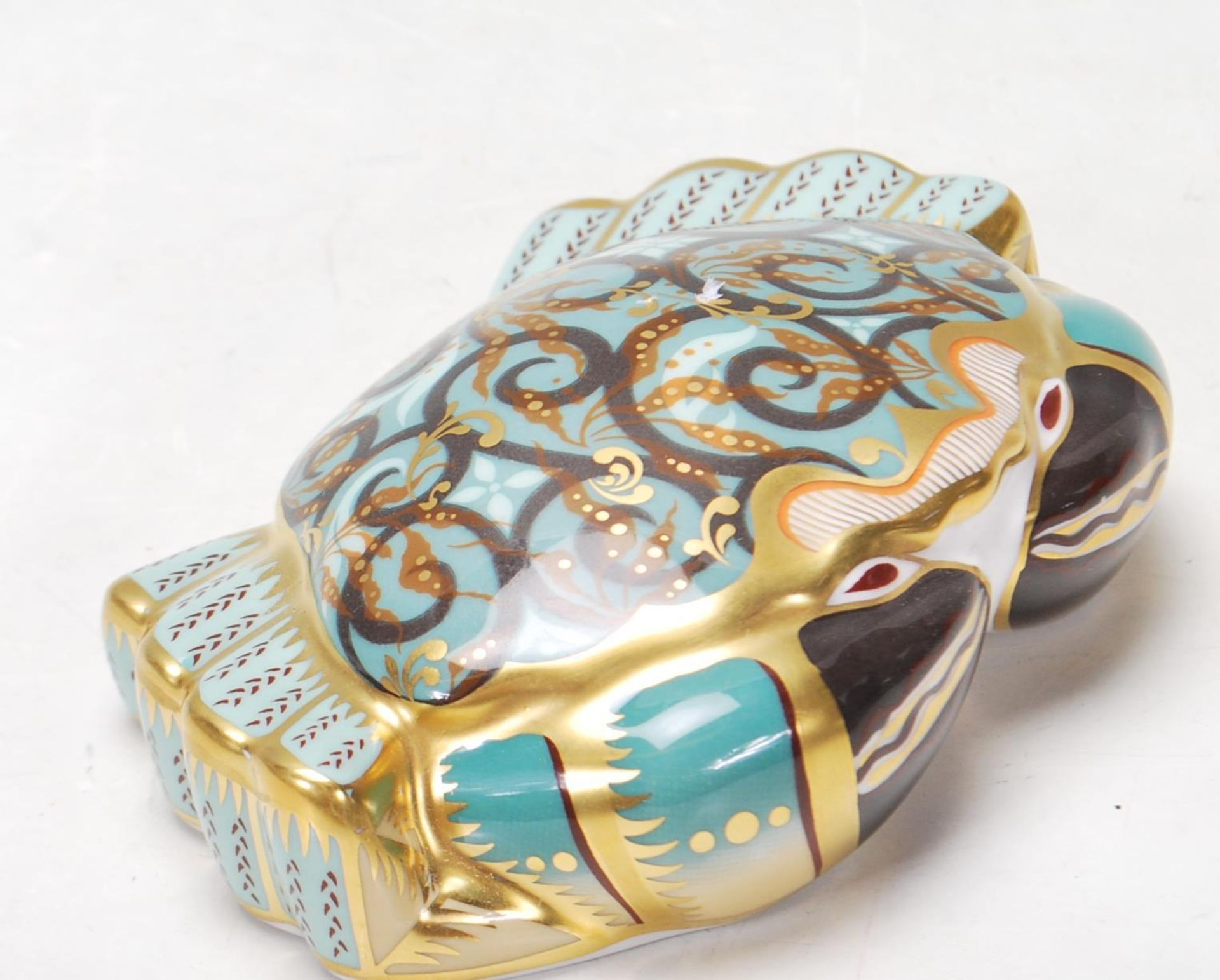 ROYAL CROWN DERBY PAPERWEIGHT IN A FORM OF A CROMER CRAB WITH GOLD STOPPER - Image 3 of 6