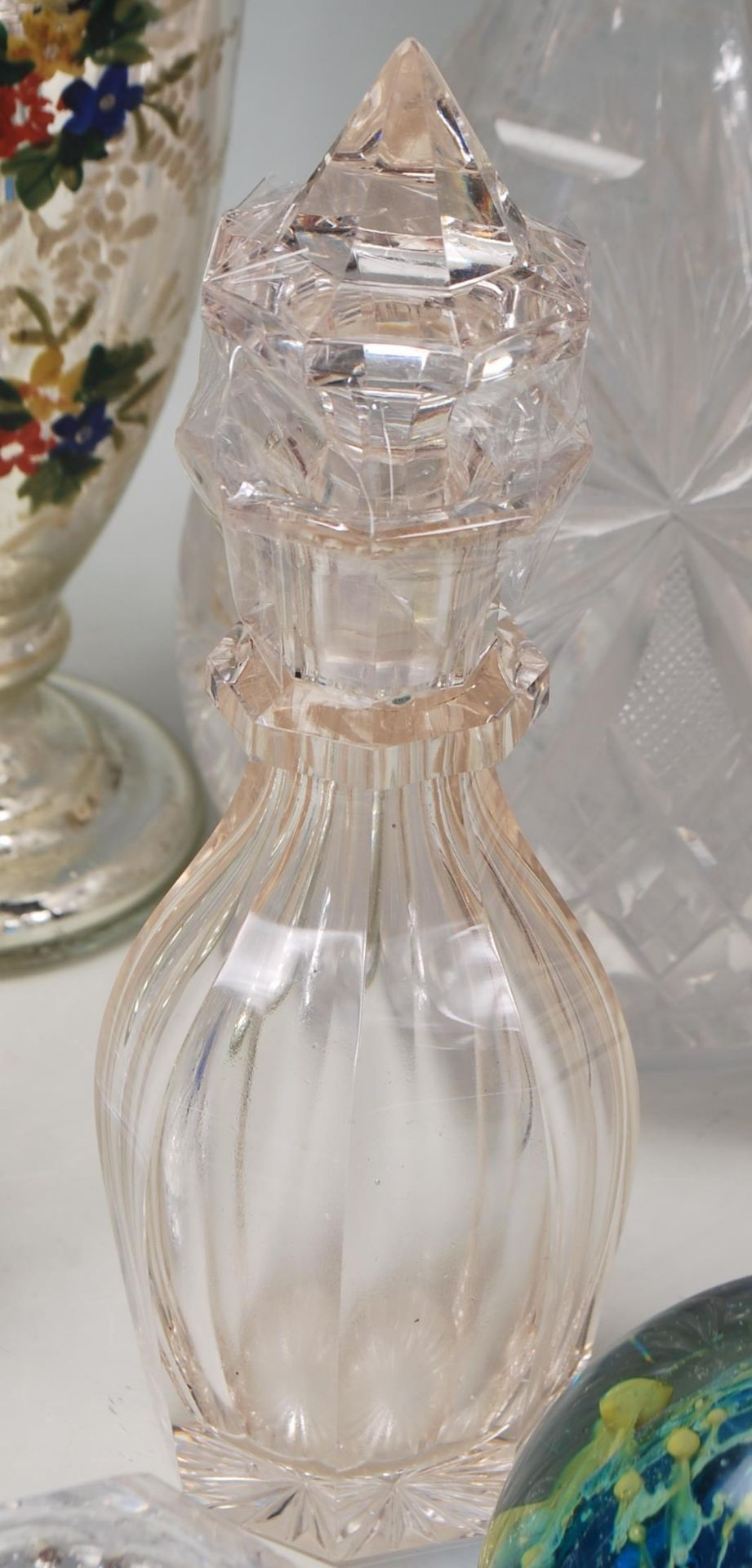 LARGE COLELCTION OF 10TH CENTURY AND LATER CRYSTAL GLASS - Image 3 of 10