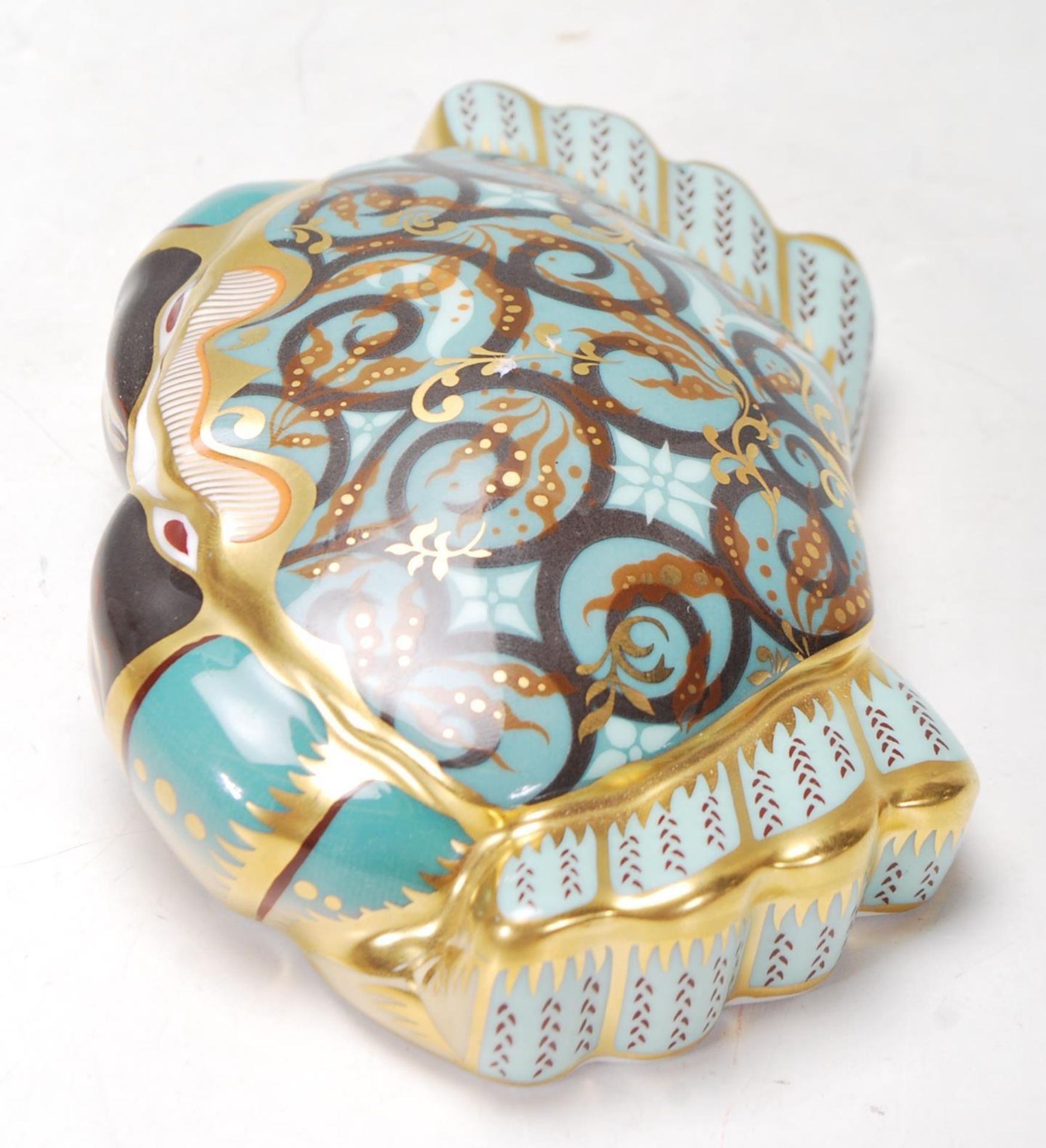 ROYAL CROWN DERBY PAPERWEIGHT IN A FORM OF A CROMER CRAB WITH GOLD STOPPER - Image 5 of 6
