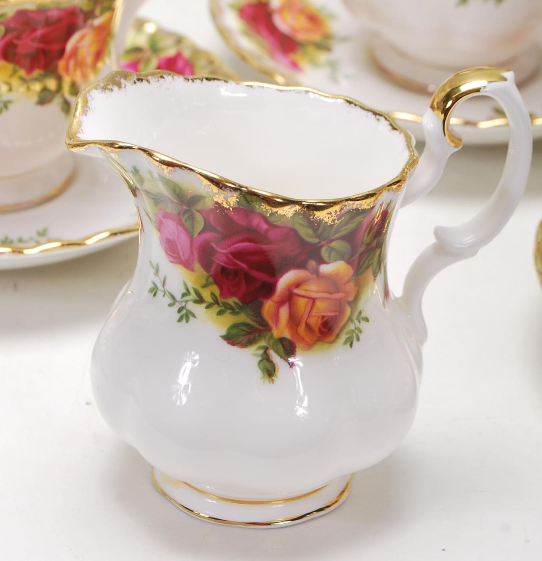 ROYAL ALBERT OLD COUNTRY ROSES TEA SET -TEA SERVICE - Image 5 of 8