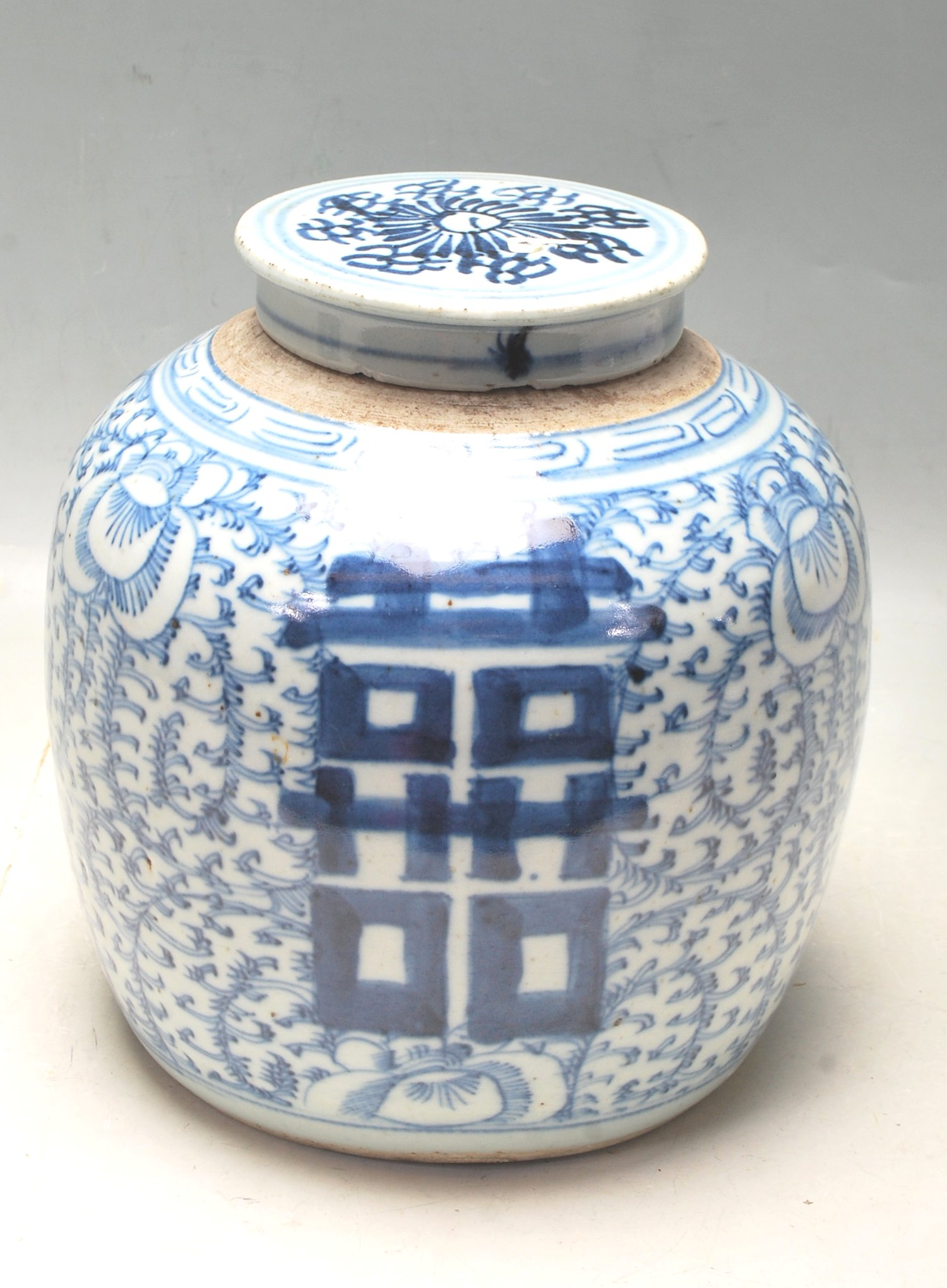 LATE 19TH CENTURY KANGXI CHINESE BLUE AND WHITE VASE