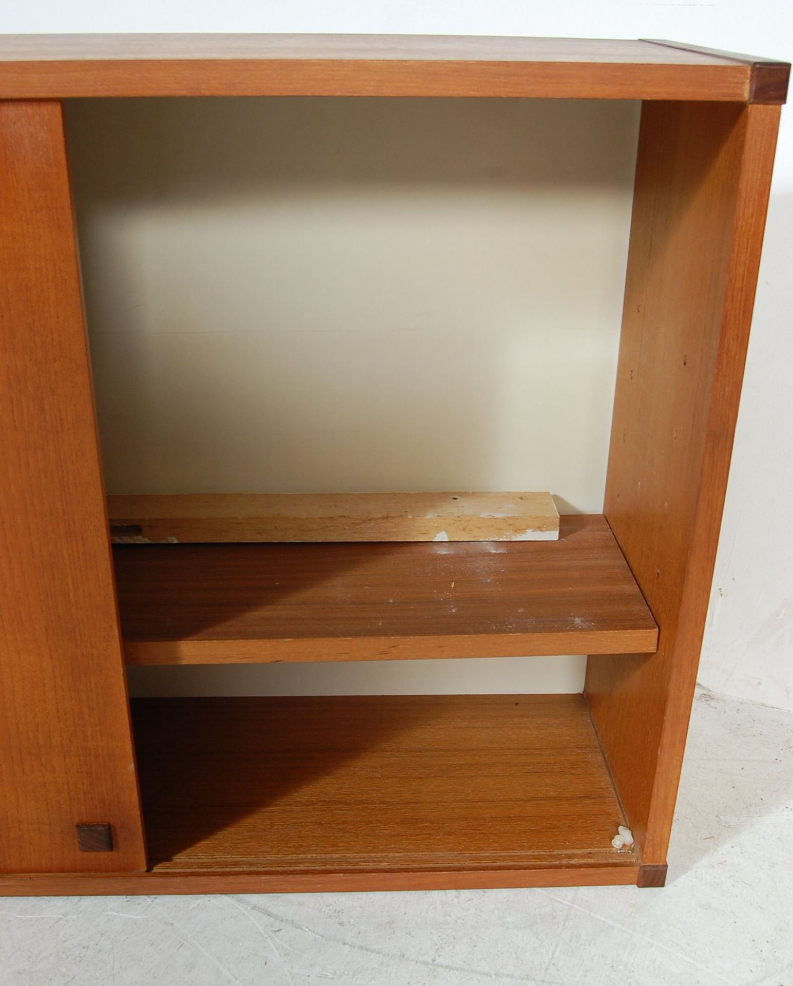 MID CENTURY WALL MOUNTED PS SYSTEM TYPE TEAK CABINET - Image 4 of 4