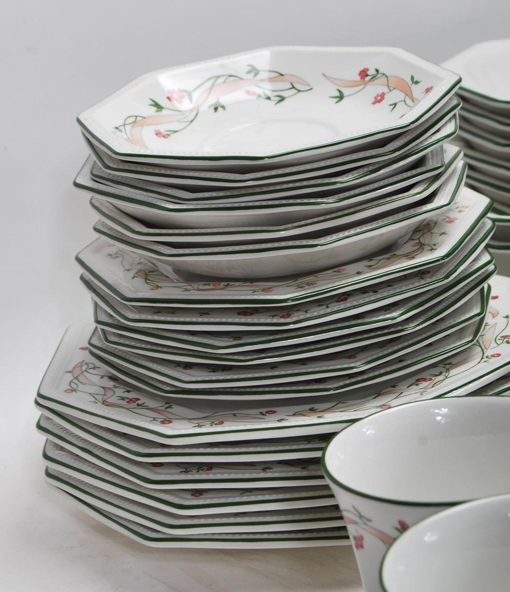 LAARGE DINNER SERVICE BY JOHNSON BROS ETERNAL BEAU - Image 14 of 19