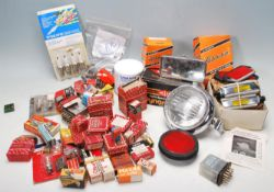 A LARGE QUANTITY OF AUTOMOBILE / AUTOMOTIVE / TRANSPORT RELATED ITEMS TO INLUDE SPARE PARTS, BULBS