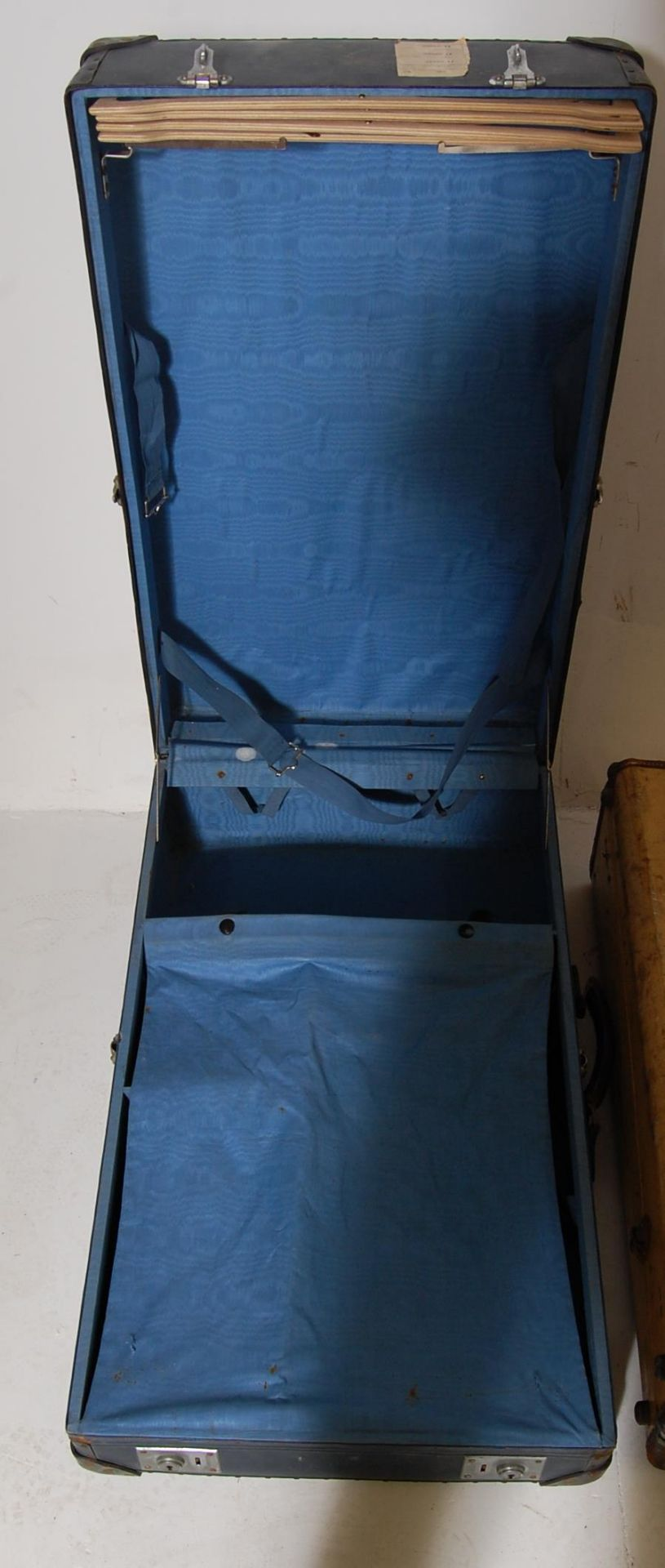 COLLECTION OF THREE EARLY 20TH CENTURY STEAMER TRUNKS - Image 7 of 12