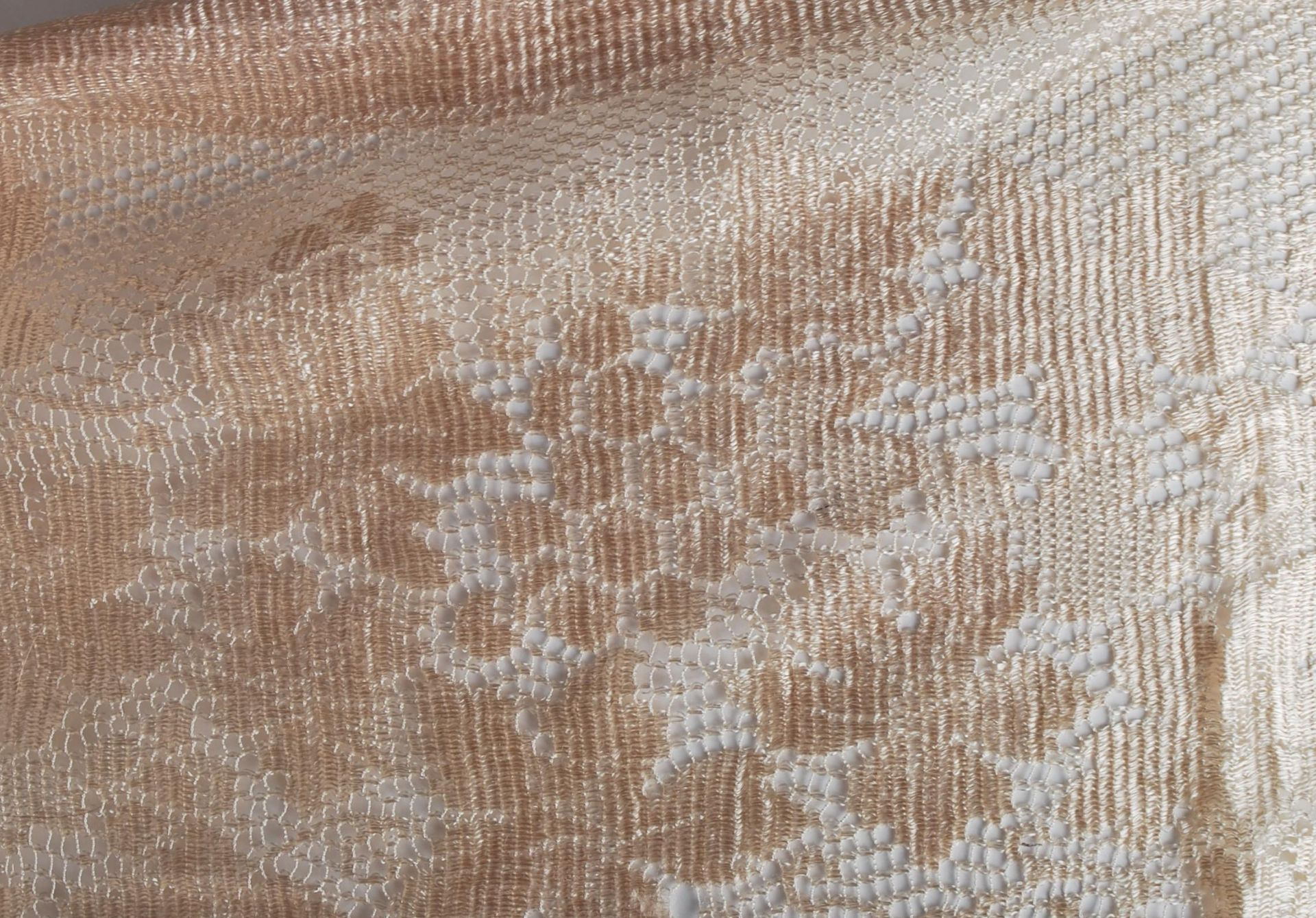 19TH CENTURY VICTORIAN TABLECLOTH AND PILLOW CASES - Image 10 of 10
