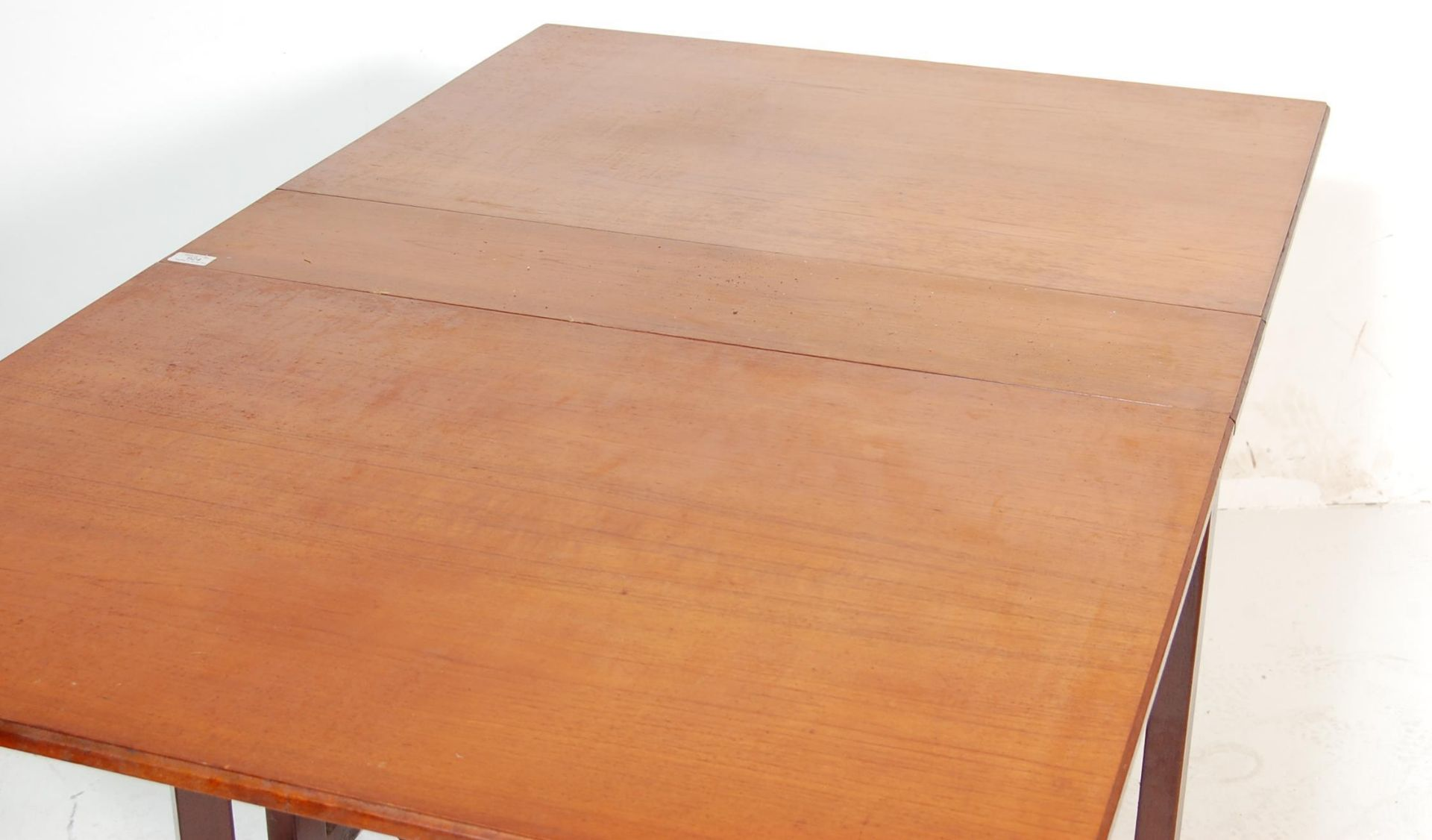 VINTAGE 20TH CENTURY TEAK WOOD DANISH INSPIRED DROP LEAF DINING TABLE - Image 3 of 5