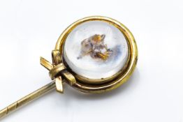 Yellow Metal Crystal Set Stick Pin With Fox Head Centre