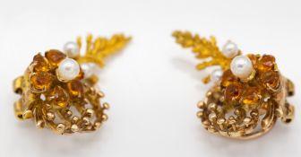 9ct Gold Hallmarked Garnet & Pearl Flower Head Earring Clips