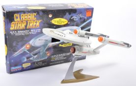 PLAYMATES STAR TREK USS ENTERPRISE CLASSIC SPACE SHIP