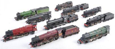COLLECTION OF ASSORTED 00 GAUGE MODEL RAILWAY ENGINES