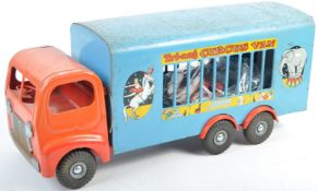 ORIGINAL VINTAGE TRI-ANG CIRUS TRUCK WITH ANIMALS