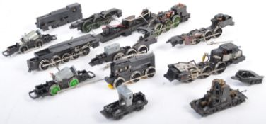 LARGE COLLECTION OF 00 GAUGE ENGINE MOTOR SPARES
