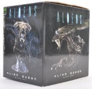 RARE PALISADES TOYS ALIENS ALIEN QUEEN MICRO BUST