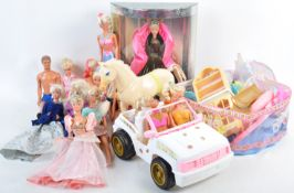 LARGE COLLECTION OF VINTAGE 1990'S BARBIE DOLLS & ACCESSORIES
