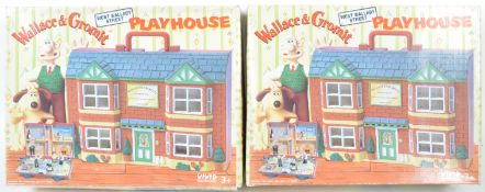 TWO VINTAGE WALLACE & GROMIT WEST WALLABY STREET PLAYHOUSES