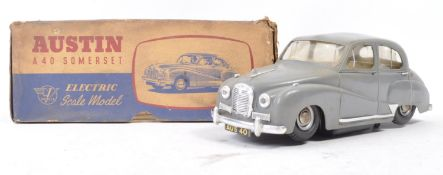 VICTORY INDUSTRIES MADE 1/18 SCALE AUSTIN A40 SOMERSET MODEL