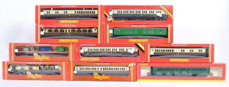 RAKE OF HORNBY 00 GAUGE ROLLING STOCK AND CARRIAGES