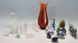 GROUP OF CINTAGE 20TH CENTURY STUDIO ART GLASS PAPERWEIGHTS, ETC