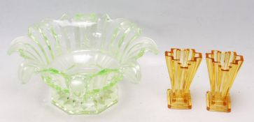 COLLECTION OF ART DECO 1930S PRESSED GLASS TO INLUDE URANIUM BOWL AND BAGLEY VASES.