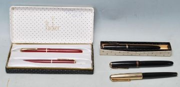 COLLECTION OF FOUR LATE 20TH CENTURY FOUNTAINS PARKER PENS