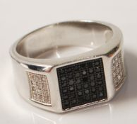 GENTLEMAN'S SILVER BLACK AND WHITE STONE RING