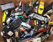 LARGE QUANTITY OF VINTAGE DIE CAST CARS