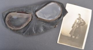 ORIGINAL WWI ROYAL FLYING CORPS PILOT'S GOGGLES & PHOTOGRAPH
