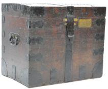 19TH CENTURY VICTORIAN IRON BOUND SILVER / STEAMER TRUNK
