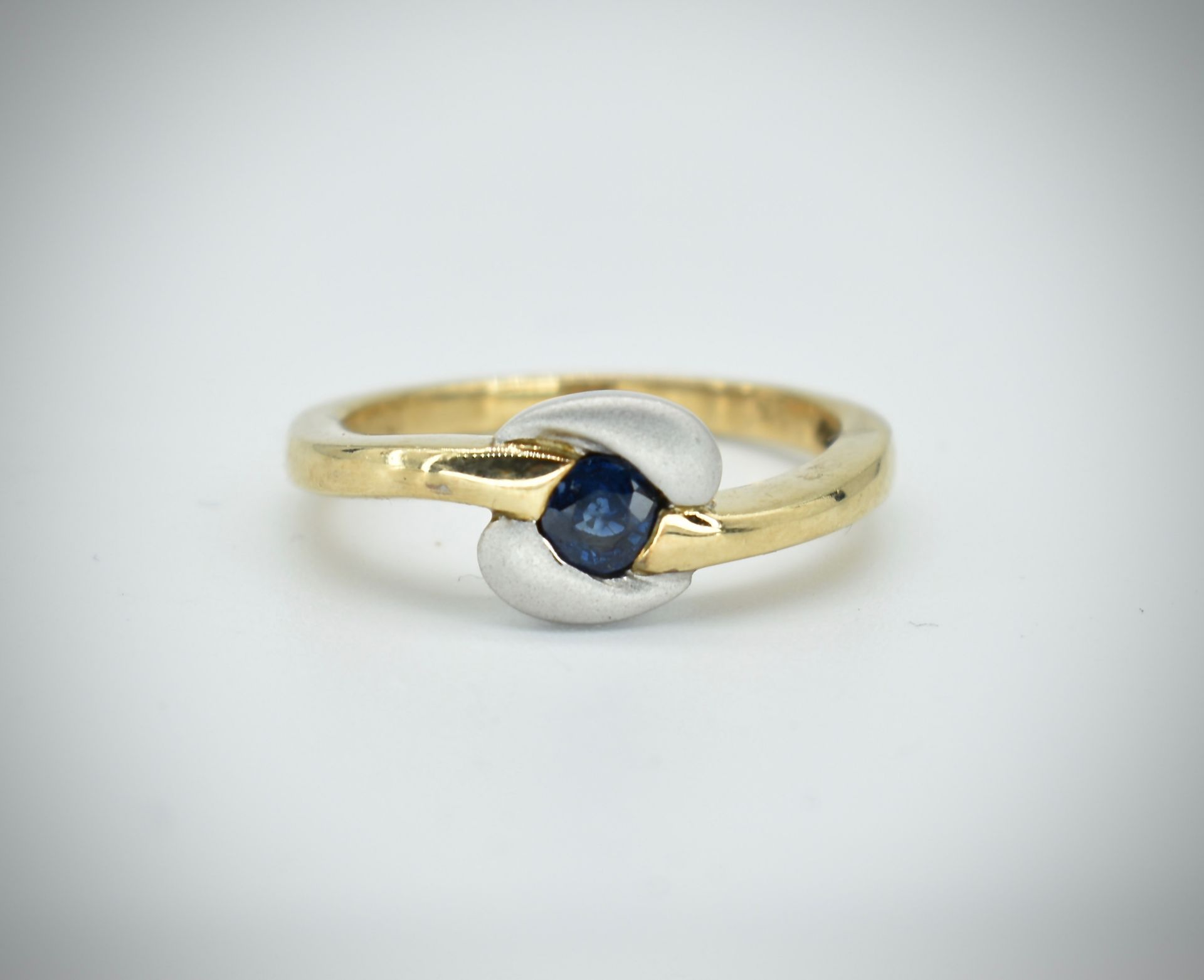 9ct Gold & Sapphire Ring - Image 5 of 5