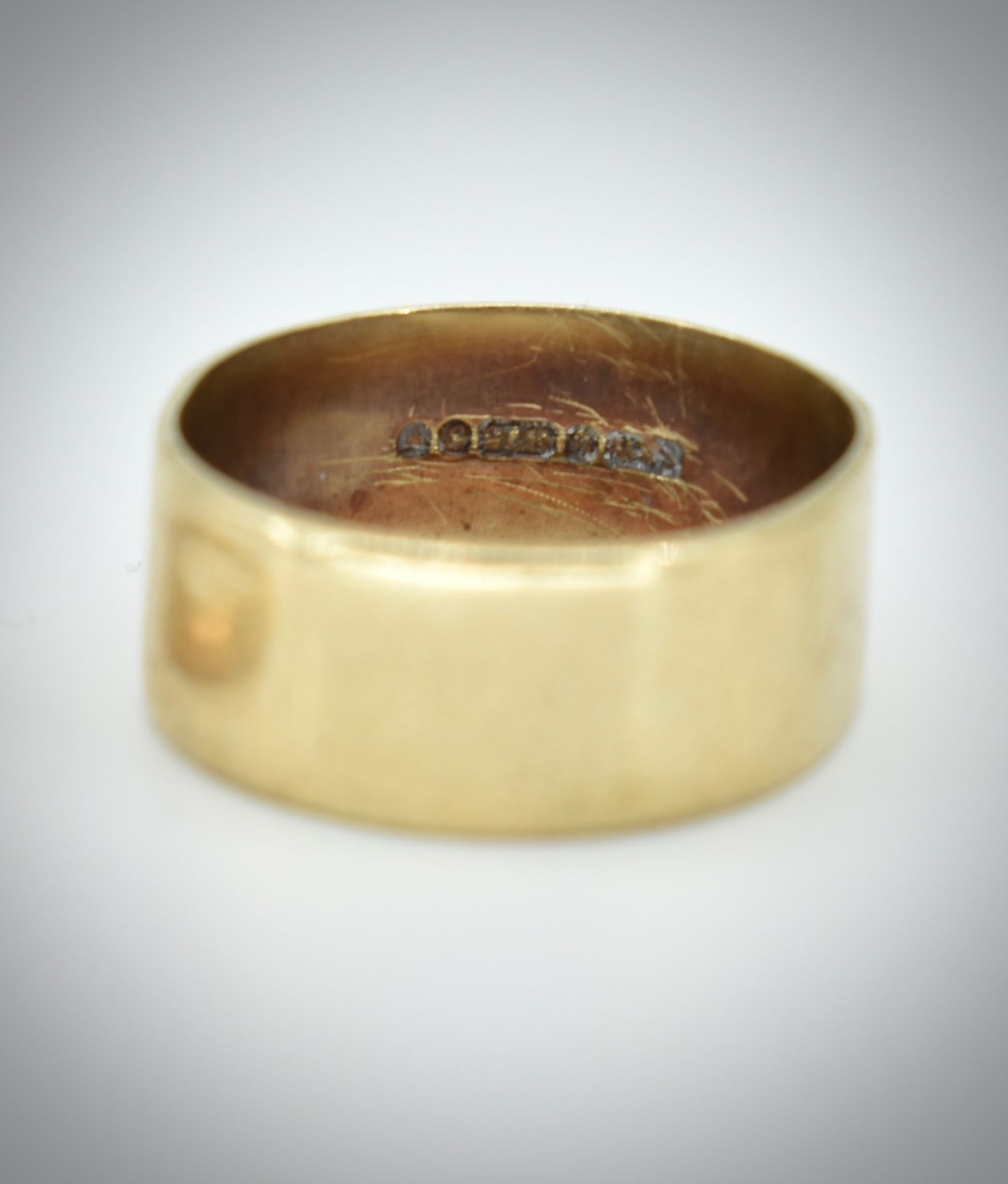 Two Hallmarked 9ct Gold Band Rings - Image 2 of 3