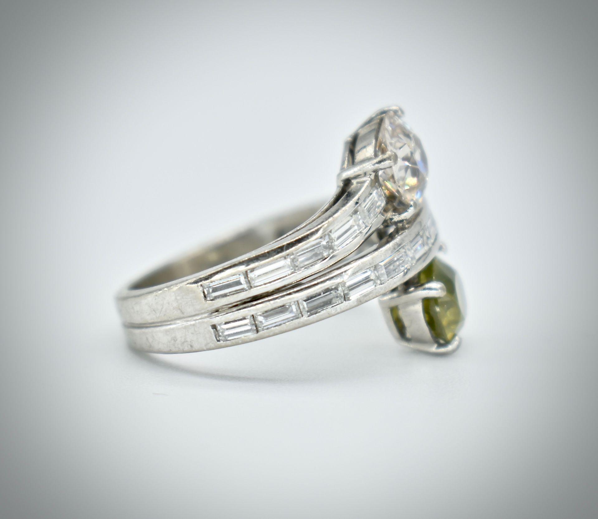 18ct Gold Diamond & Demantoid Garnet Moi Et Toi Ring - Image 3 of 4
