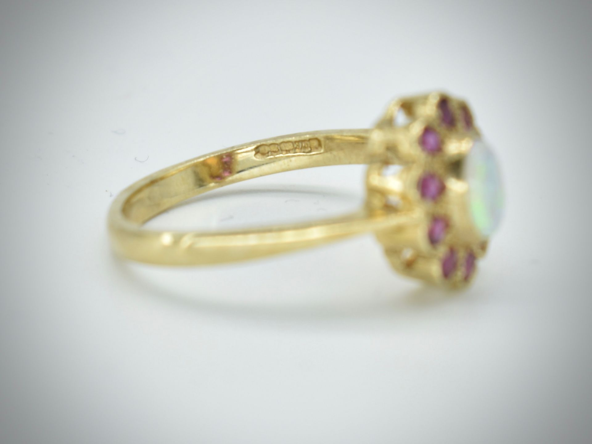 9ct Opal & Ruby Cluster Ring - Image 3 of 3