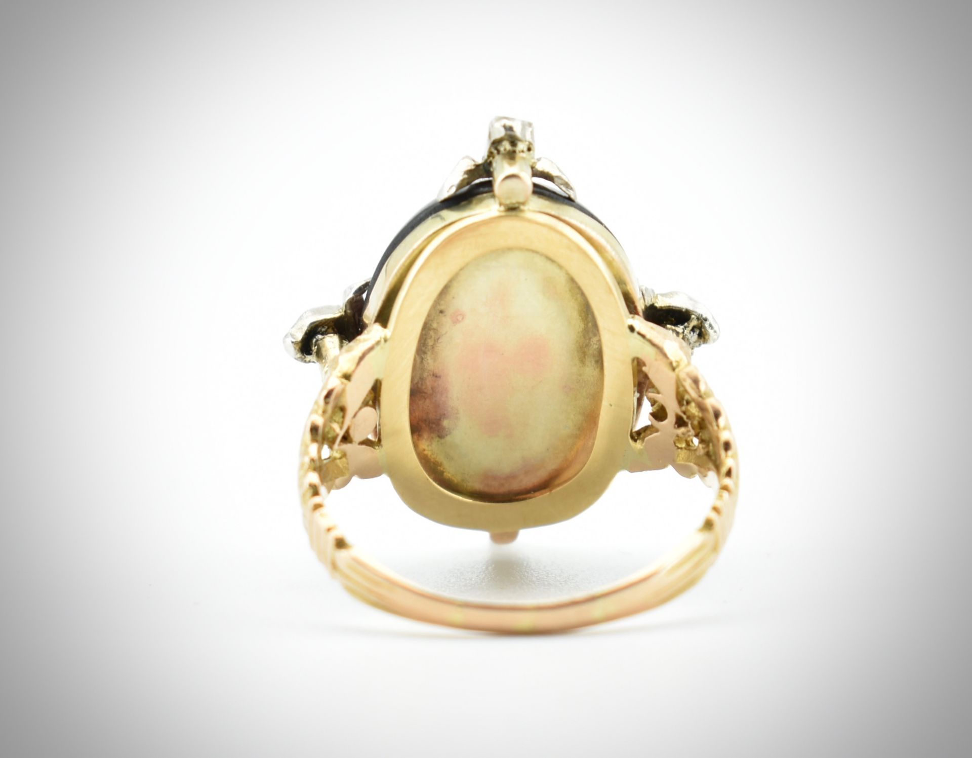 Antique Garnet & Diamond Ring. - Image 2 of 3