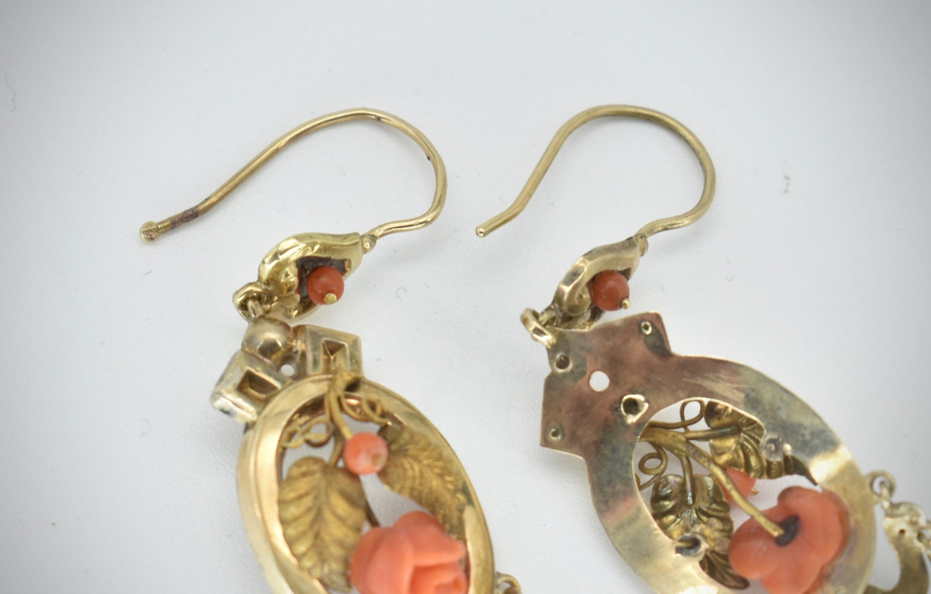 19th Century Victorian Gold & Coral Earring & Brooch Parure - Image 4 of 7