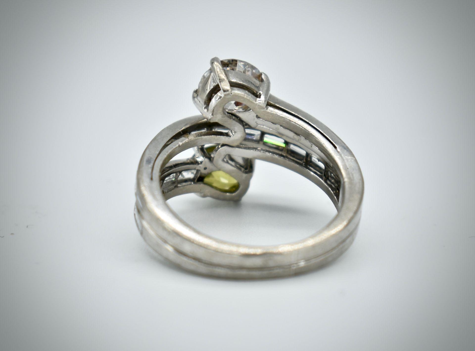 18ct Gold Diamond & Demantoid Garnet Moi Et Toi Ring - Image 4 of 4