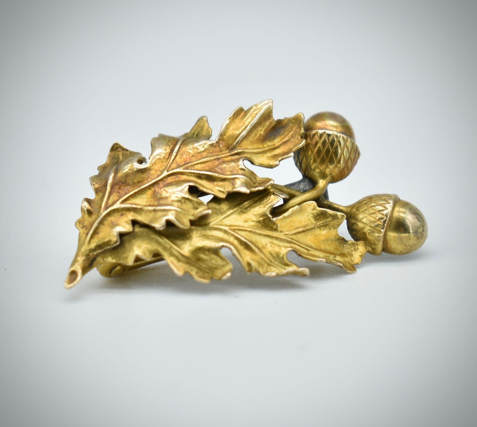 19th Century 14ct Gold Figural Oak Leaf Brooch Pin