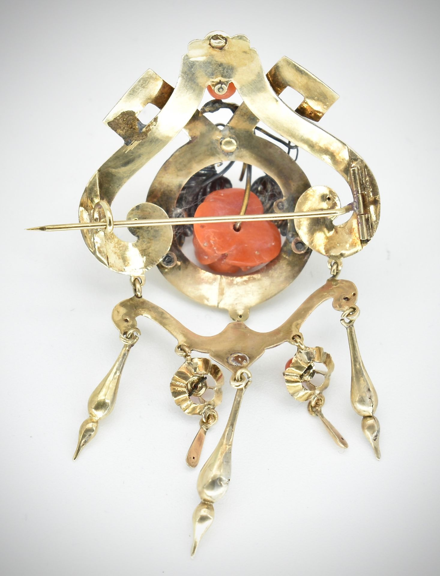 19th Century Victorian Gold & Coral Earring & Brooch Parure - Image 6 of 7