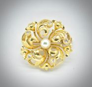 18ct Gold Pearl & Diamond Floral Brooch Pin