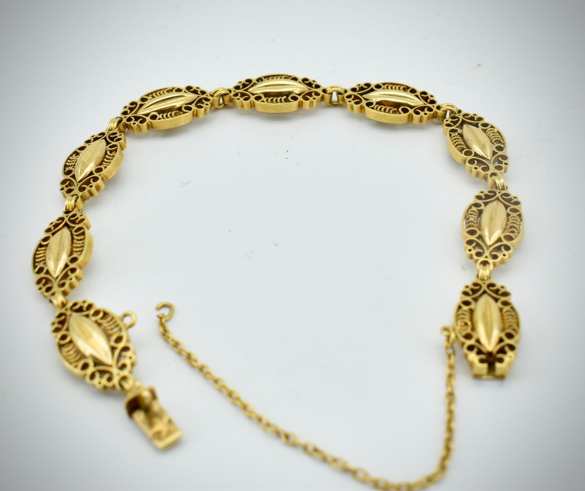 French 18ct Gold Art Nouveau Bracelet. - Image 3 of 6
