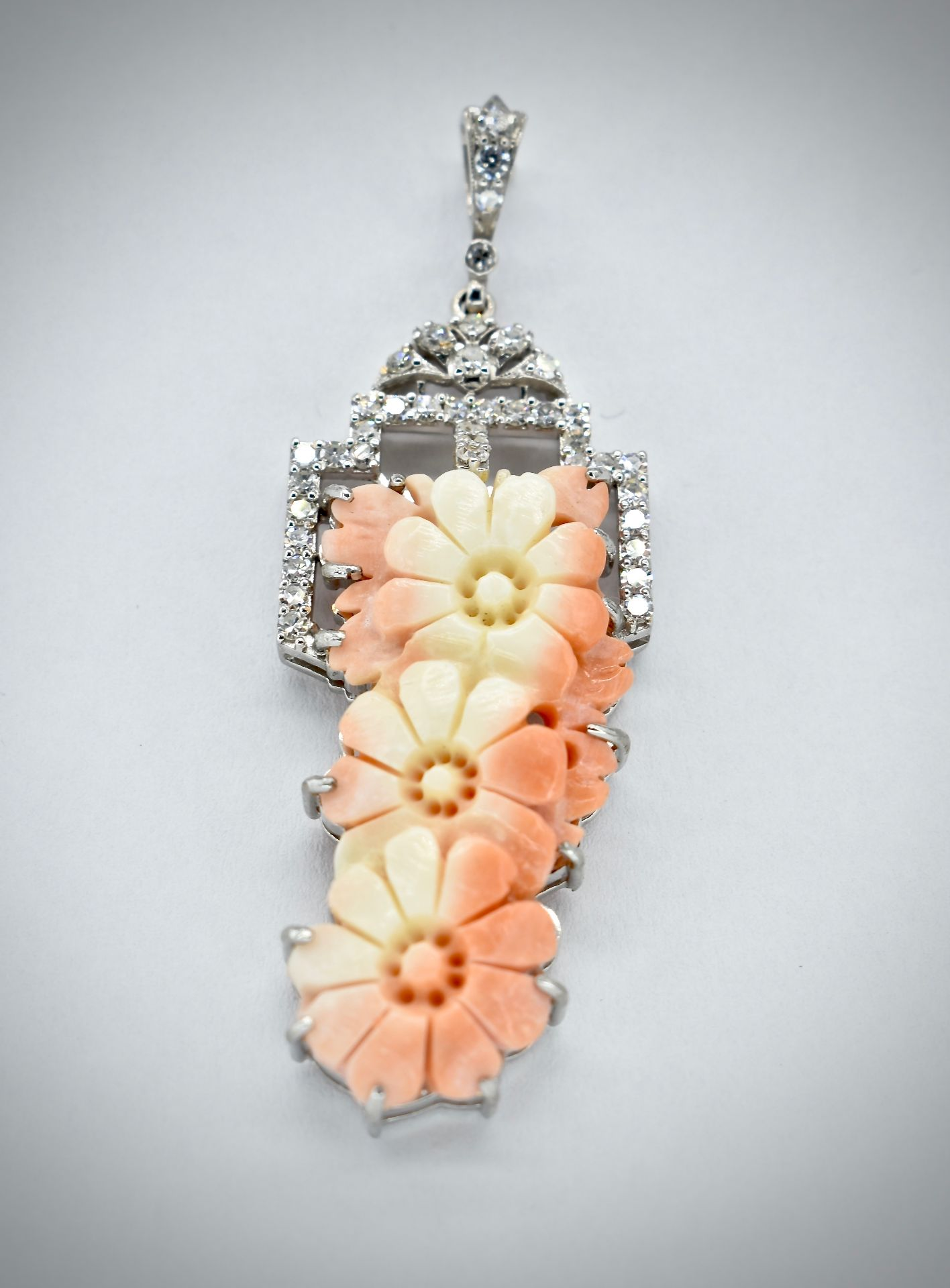 18ct Gold Coral & Diamond Necklace Pendant