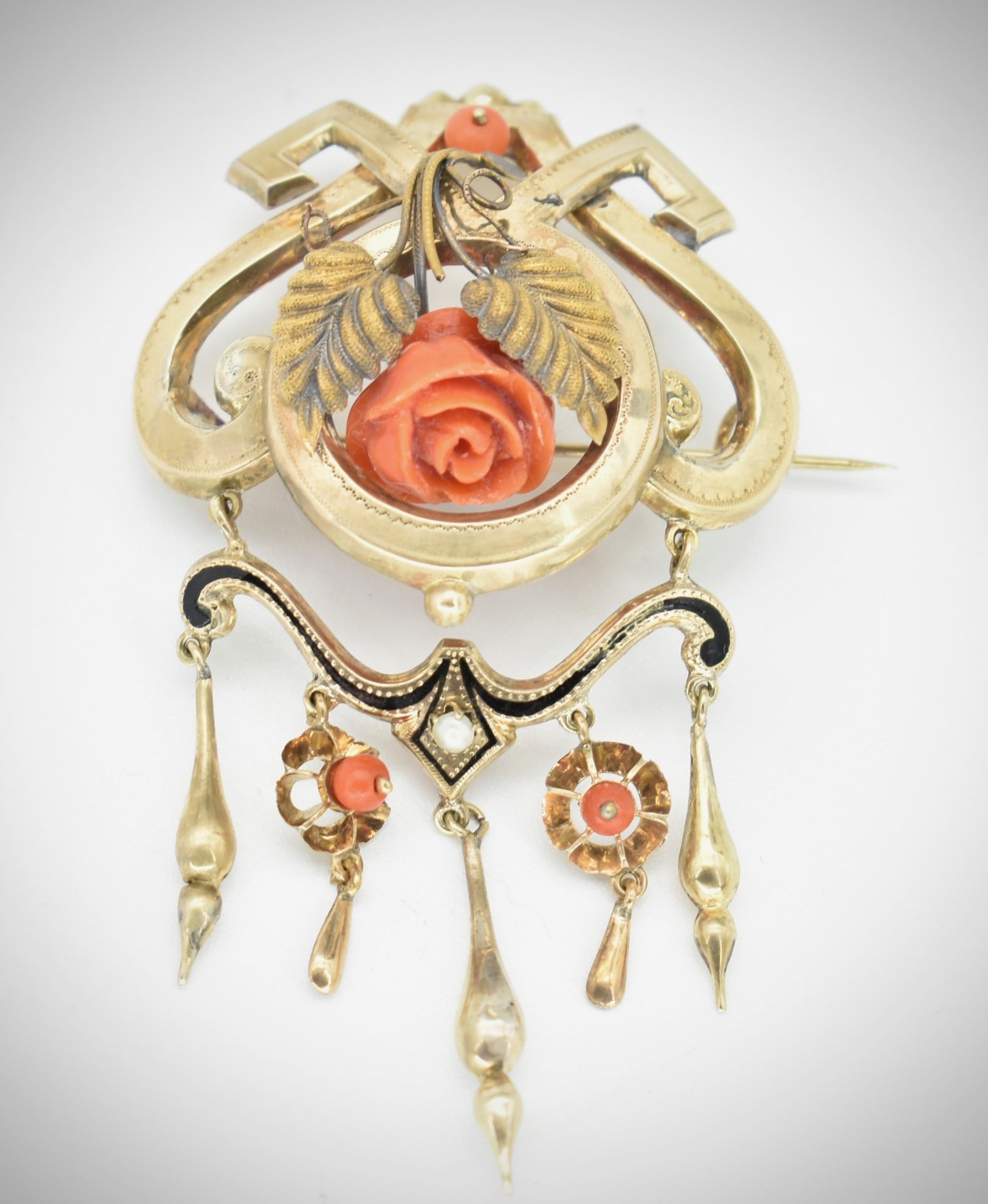 19th Century Victorian Gold & Coral Earring & Brooch Parure - Image 5 of 7