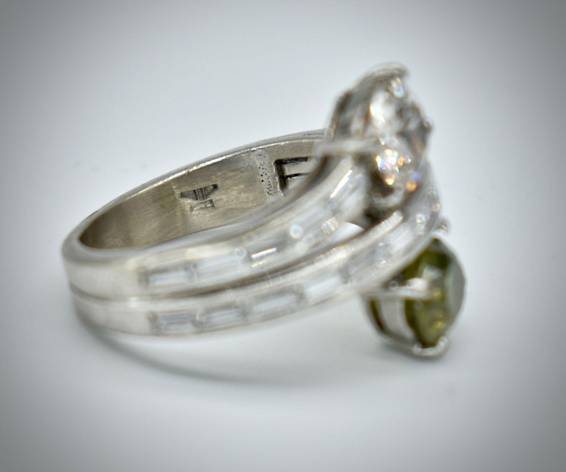 18ct Gold Diamond & Demantoid Garnet Moi Et Toi Ring - Image 2 of 4